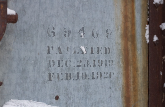 This is another way to mark the patent number on a metal part - spray paint